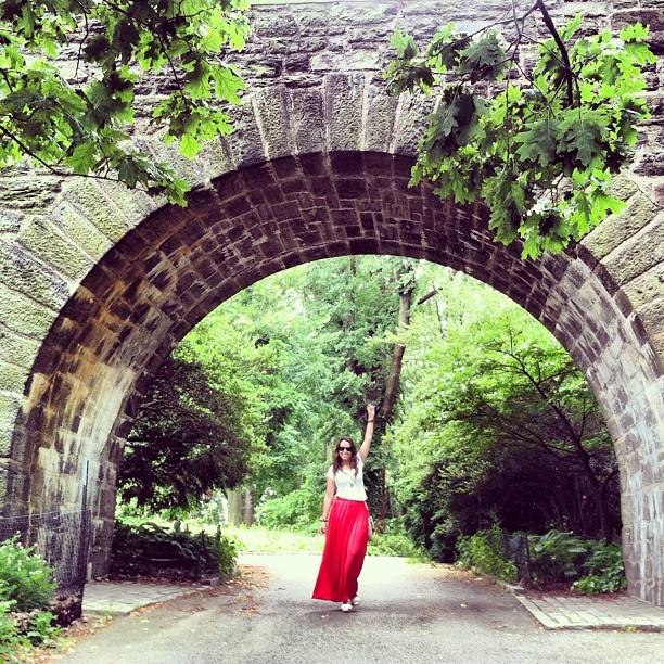 Claustro cr nicas de una newlywed chilanga en nueva york for Arcos para jardin